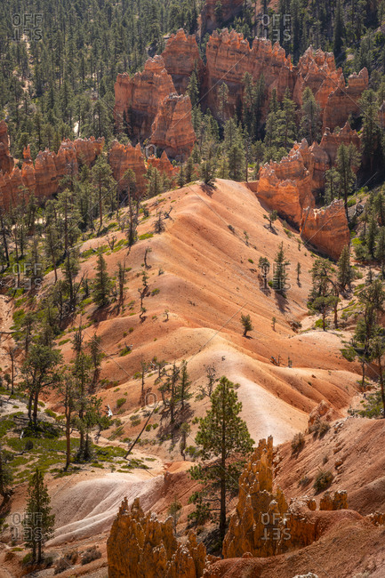 Scenic view of rock formations from queens garden trail, Bryce canyon national park, Utah, usa
