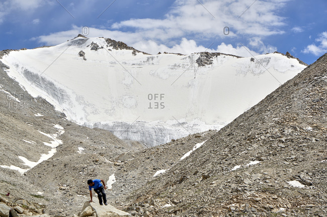 Panoramic view of the high altitude peaks covered by snow at the Chang La Pass in Ladakh, India
