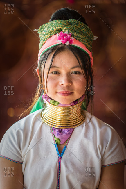 PADUANG PEOPLE,  HILL TRIBE, PAN PET VILLAGE, KAYAH STATE, MYANMAR - 01 December 2015: Portrait of local lady wearing brass coils placed around the neck, appearing to lengthen it.
