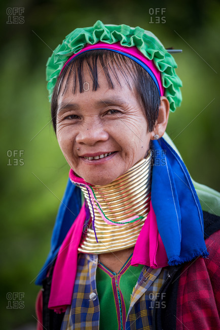 PADUANG PEOPLE,  HILL TRIBE, PAN PET VILLAGE, KAYAH STATE, MYANMAR - 26 November 2016: Portrait of local lady wearing brass coils placed around the neck, appearing to lengthen it.