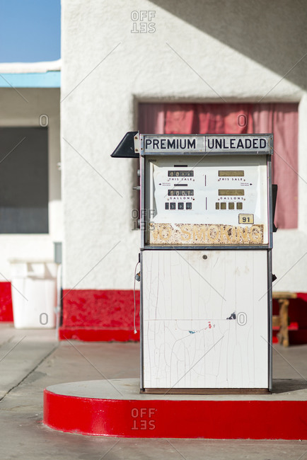 A classic retro looking gas pump at a filling station along the historical Route 66 in the Mojave desert