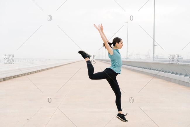 dance dancer jumping on the street