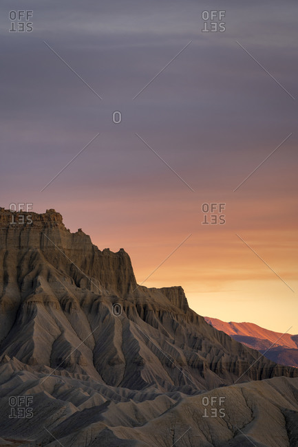 Badlands at South Caineville Mesa at sunset, Caineville, Utah, USA