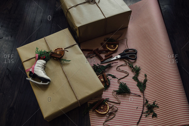 old fashioned wrapping paper for christmas