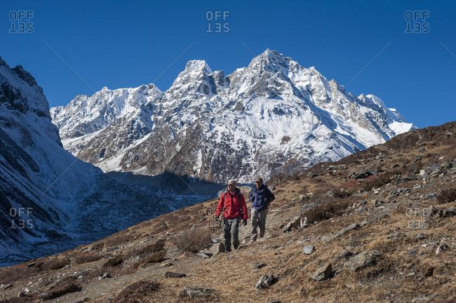 Trekkers between Samdo and Larke rest house on the Manaslu circuit trek in Nepal