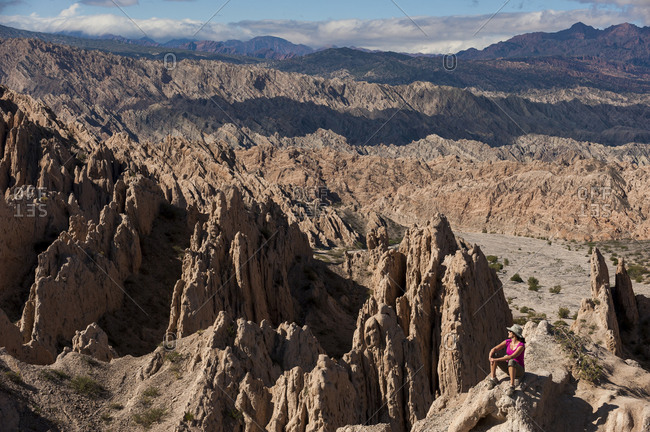 The stunning rock formations of the Quebrada de las Flechas are formed by slanting layers of strata