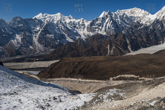 View from the Larke La pass looking west towards the Annapurnas
