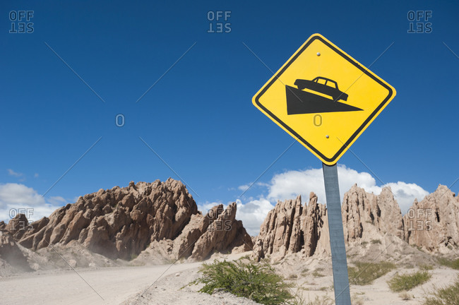 Warning sign before passing through the Quebrada de las flechas