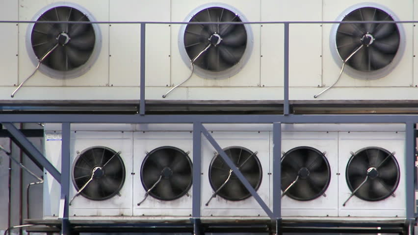 Air conditioners unit from roof chiller machine