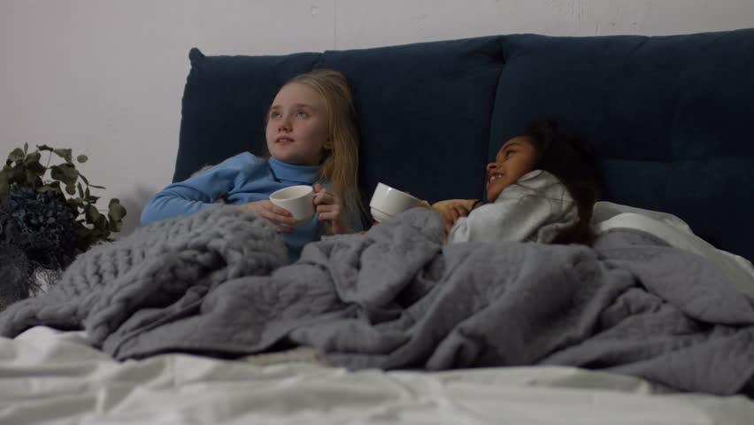 Adorable Multiracial Preteen Girls Wrapped: Video de stock (totalmente libre de regalías) 1007184394   Shutterstock