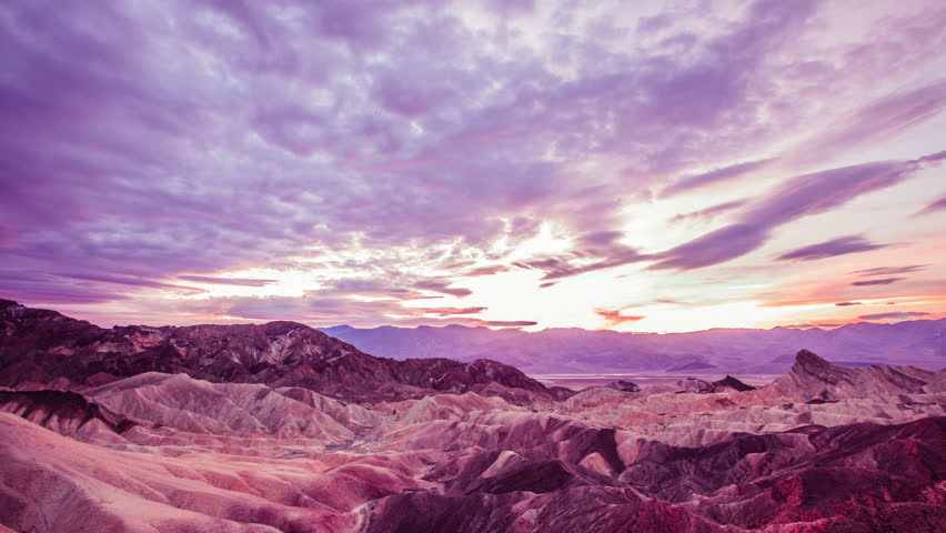 Time Lapse - Beautiful Cloudscape over Zebraski Point in Death Valley - 4K