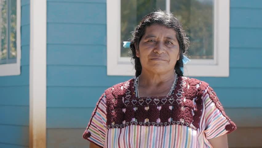 INDIGENOUSE FAMILY CHIAPAS MEXICO