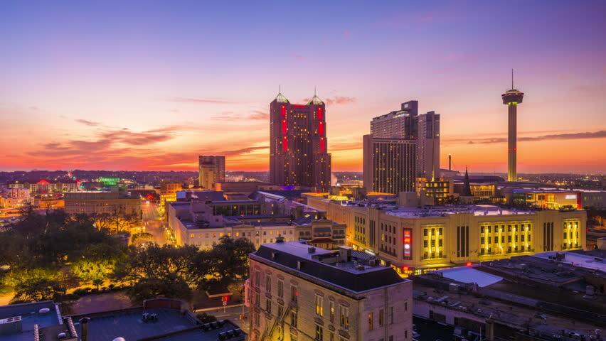 San Antonio, Texas, USA Skyline at dawn.