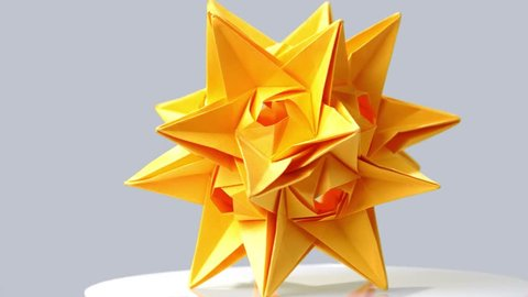Modular origami – Polypompholyx | 270x480