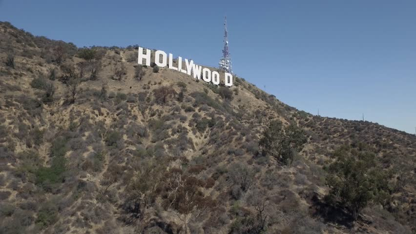 Los Angeles: Hollywood Sign (drone/aerial)