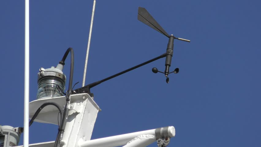 The device for determining the speed and direction of the wind on the mast of the ship.