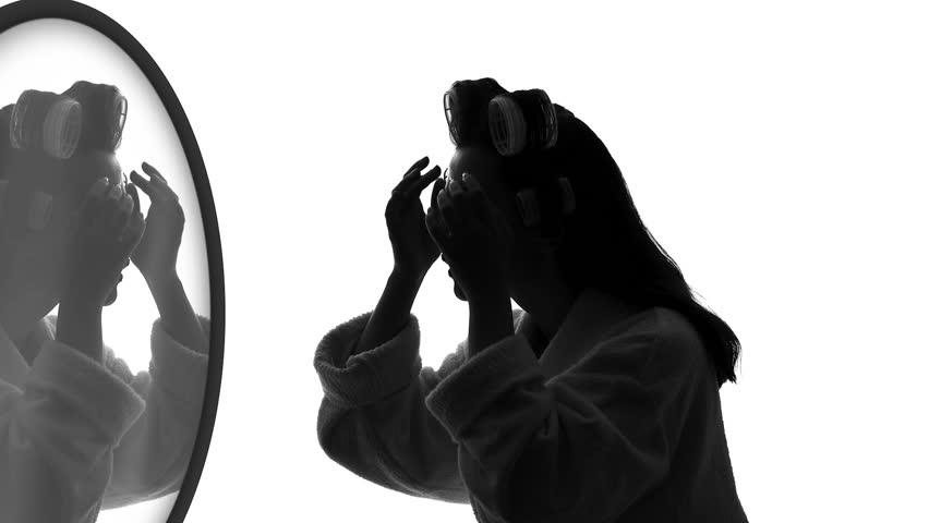 Panduan Meditasi Menatap Cermin untuk Pemula