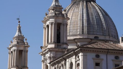 From the bottom of the church of Sant'Agnese in Agone to Piazza Navone, with works by Francesco Borromini