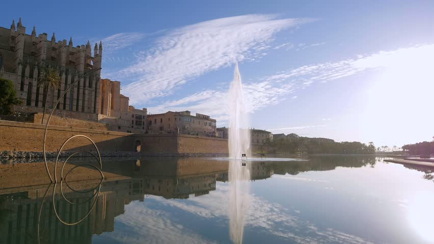 La Seu Cathedral with Royal Palace, Parc de la Mar, Palma de Mallorca, Mallorca (Majorca), Balearic Islands, Spain, Mediterranean, Europe