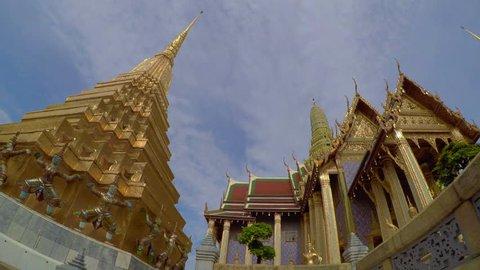 Time Lapse Wat Phra Kaew ( Temple Of Emerald Buddha ) Bangkok , Thailand