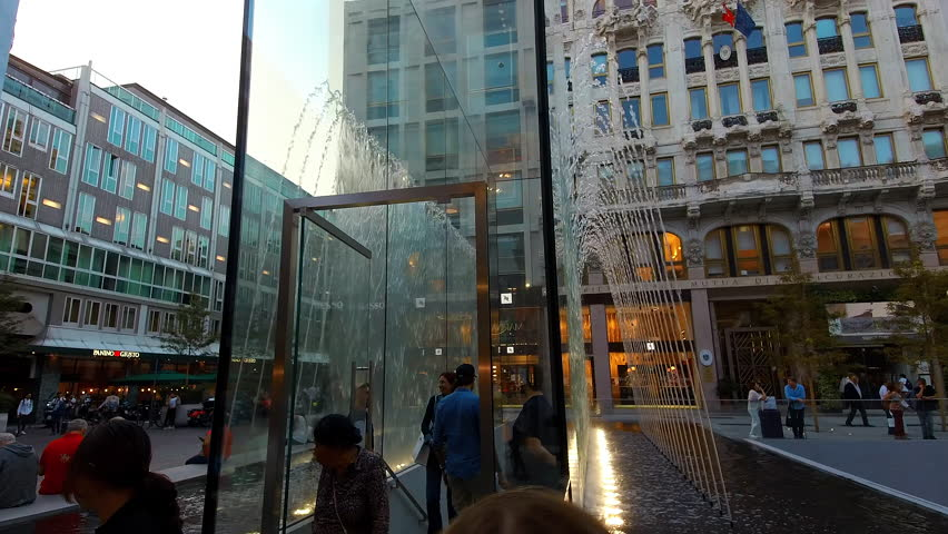 MILAN/ITALY - APPLE STORE Circa September 2018  - in Piazza Liberty Milan (afternoon)