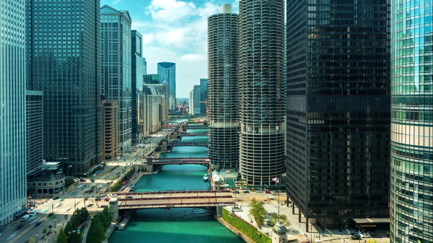 Time-lapse of the Chicago River with traffic and boats | Shutterstock HD Video #1017057562