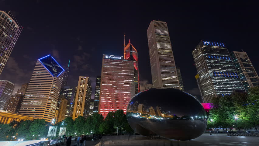 """Chicago, Illinois, USA - September 17th 2018 - Chicago Cloud Gate """"The Bean"""" and City Skyline Night Timelapse"""