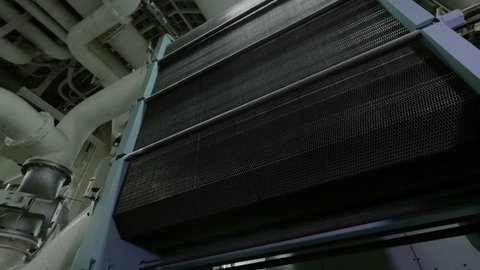 Plate heat exchanger in cooling system of large diesel engine