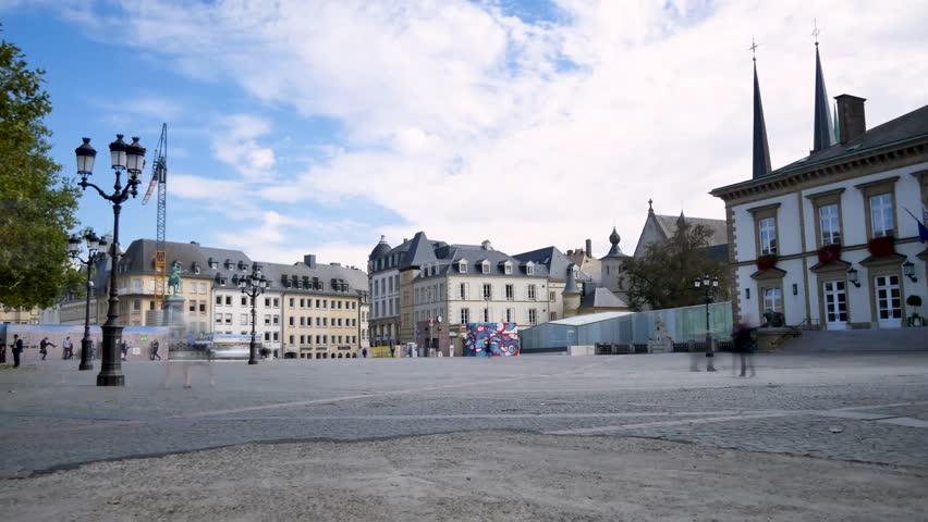Time lapse of the place Guillaume II (in Luxembourgish: Knuedler) is a central square in the city of Luxembourg, in the Ville-Haute district. Filmed in october 2018.