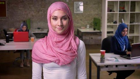 meeting muszlim nő nice