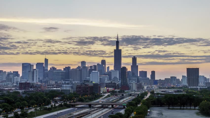 Time Lapse of a Chicago Sunrise (Zoom In)
