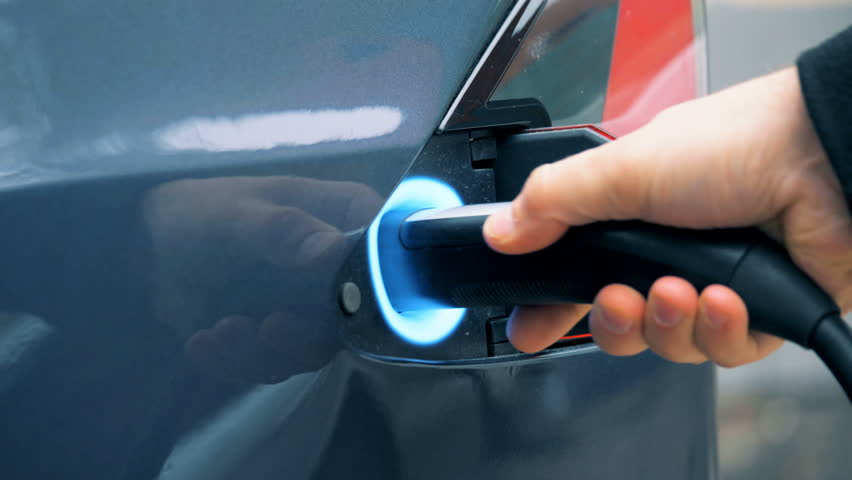 Start of a fuelling process of an electric car