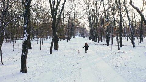 Ein Spaziergang im Schnee | Public Domain Vektoren