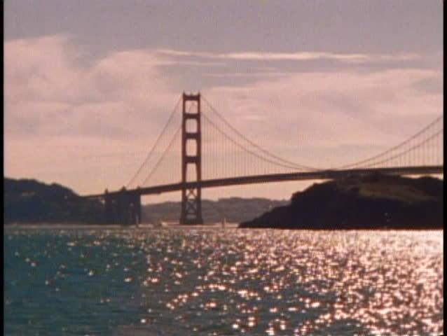 SAN FRANCISCO, CALIFORNIA, 1979, Golden Gate Bridge, silhouette, classic view