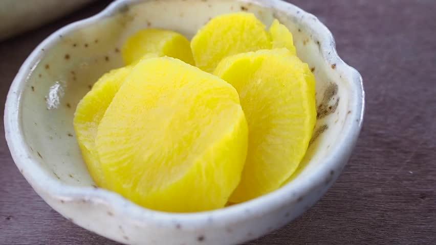 Danmuji Pickled Radish Korean Food Arkivvideomateriale 100 Royaltyfritt 1020727615 Shutterstock