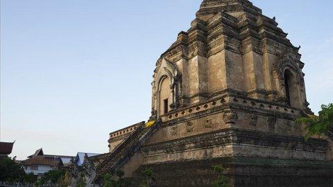 4K Time lapse, Hyper lapse, Wat Chedi Luang Landmark Travel Temple Of Chiang Mai Thailand.