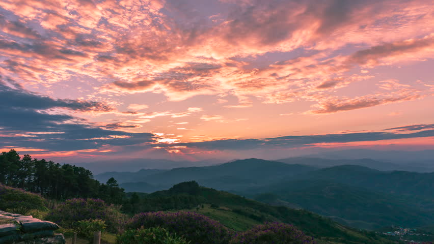 Time lapse of sunset panoramic view with the sun at Chiang Rai province northern of Thailand