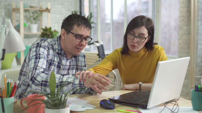 adult male autist is learning how to deal with the Internet Royalty-Free Stock Footage #1025569151