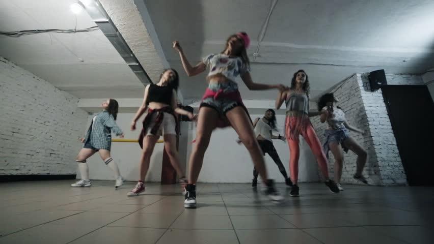 Girls dance modern dance