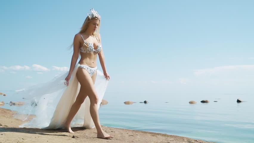 Hot Pics transparent bikini video