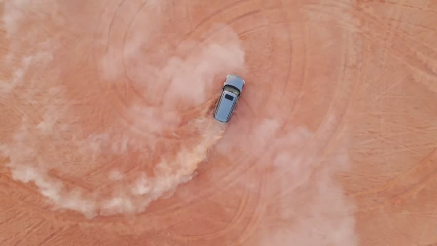 Dubai Desert Safari 4x4 drifting on sand
