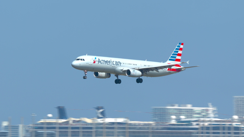 FT. LAUDERDALE, FL - 2019: American Airlines Airbus A321 Commercial Passenger Jet Airliner Landing at Fort Lauderdale Hollywood FLL International Airport Arriving on a Sunny Day in South Florida