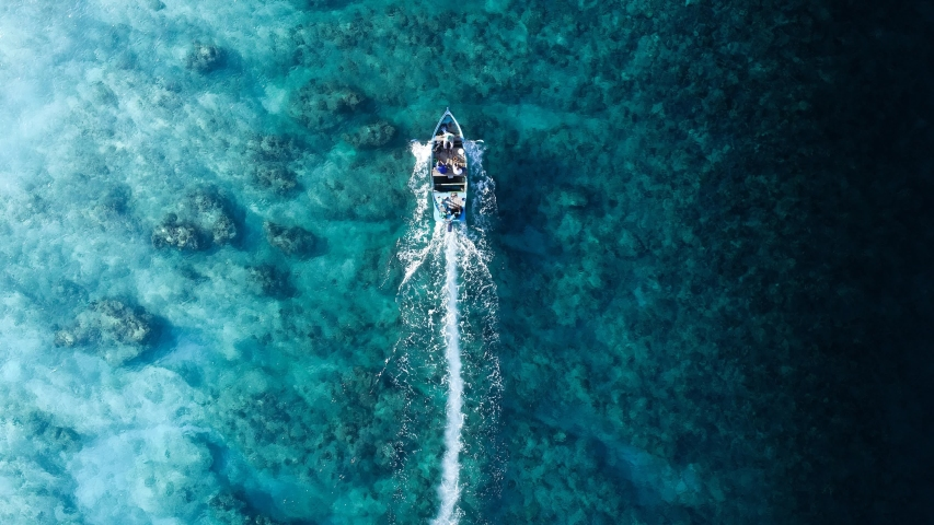 Cinemagraph of boating in the tropics