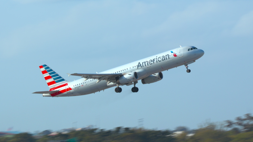 FT. LAUDERDALE, FL - 2019: American Airlines Airbus A321 Commercial Passenger Jet Airliner Taking Off from Fort Lauderdale Hollywood FLL International Airport on a Sunny Day in South Florida