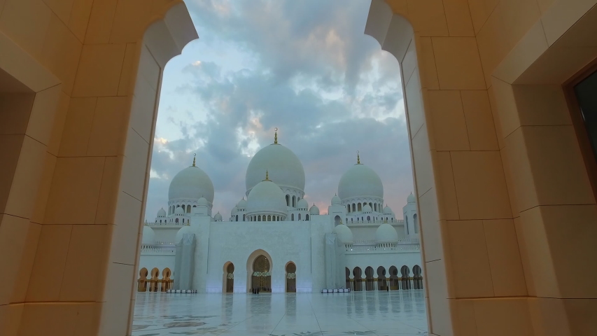 Sheikh Zayed Grand Mosque , Abu Dhabi, United Arab Emirates (UAE)