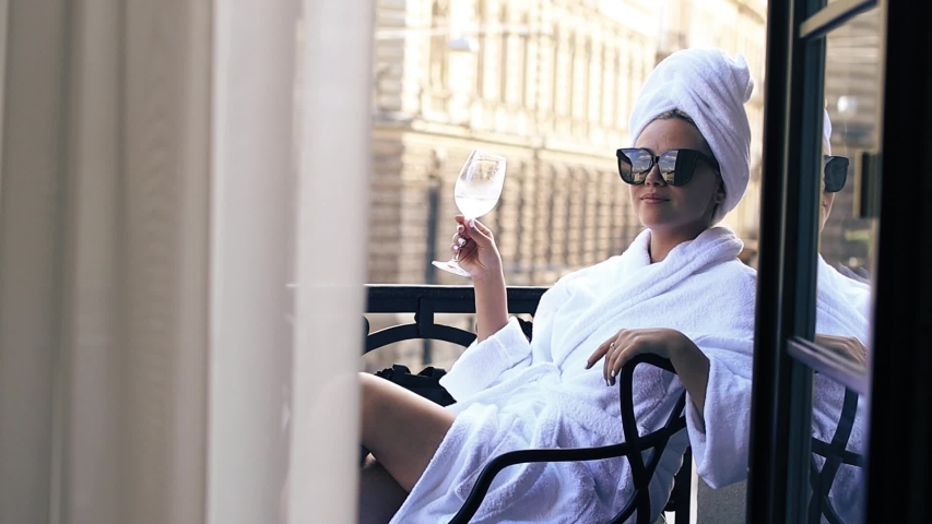 tips for healthier hair: use a microfiber towel
