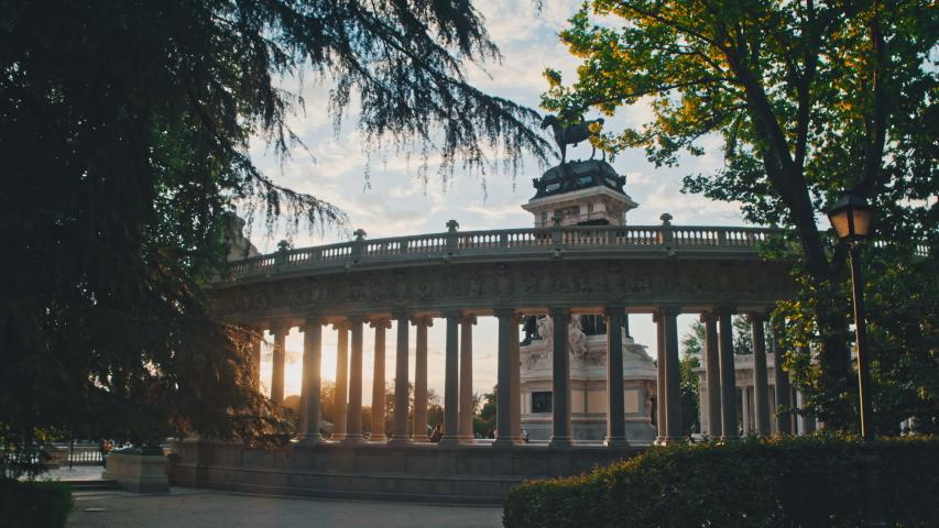 4K Madrid, Parque del Retiro, Alfonso XII monument, sunlight through columns