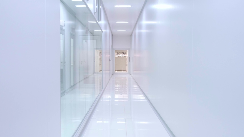Hospital corridor. Be admitted to a hospital. Entering the hospital urgently on a stretcher. 4K.