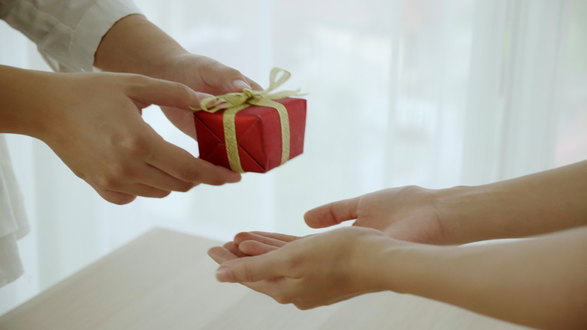 Send gifts to your loved one