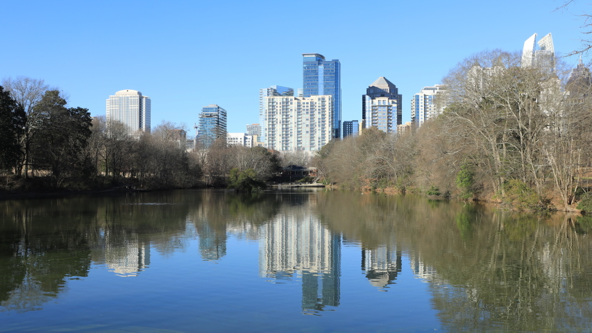 Timelapse of Skyline in Atlanta, Georgia with reflections 4K